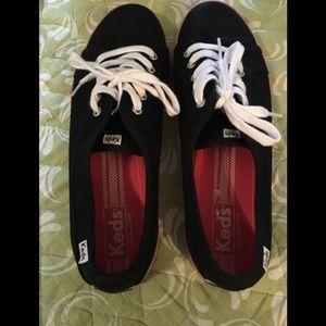 Keds size 10 black with pink stripe